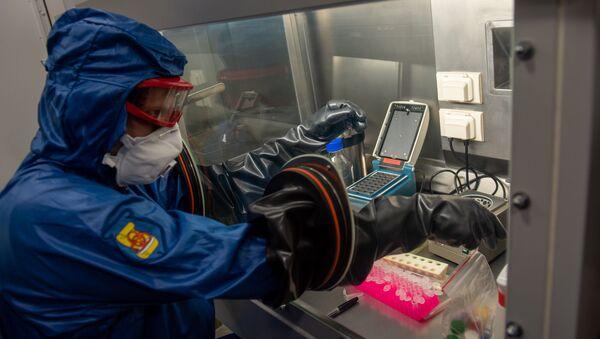 Презентация российской мобильной лаборатории по диагностике коронавируса (9 апреля 2020). Еревaн - Sputnik Армения