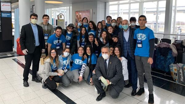 Более трех десятков школьников возвращаются в Армению из США - Sputnik Армения