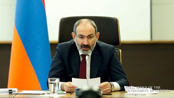 Премьер-министр Армении Никол Пашинян во время межправительственного совета ЕЭК (10 апреля 2020). Еревaн - Sputnik Արմենիա
