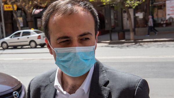 Министр здравоохранения Арсен Торосян посетил места изоляции граждан (15 апреля 2020). Еревaн - Sputnik Արմենիա