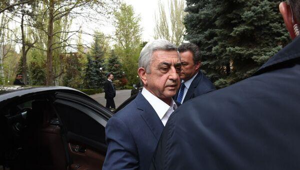 Третий президент Армении Серж Саргсян на заседании апрельской комиссии в парламенте (16 апреля 2020). Еревaн - Sputnik Армения