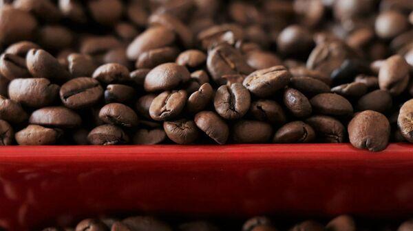 Черный кофе в зернах - Sputnik Армения