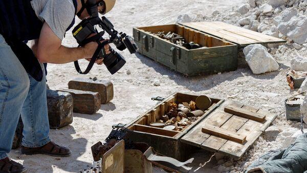 Боеприпасы, найденные в бункере террористов в пещере (14 октября 2019). Идлиб - Sputnik Армения