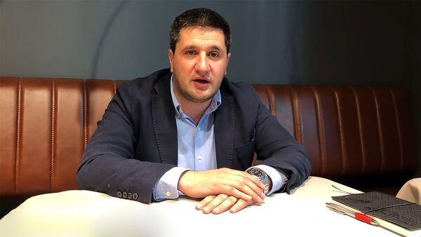 Кадр из видeообращения Айка Есаяна сотрудникам Ucom - Sputnik Армения