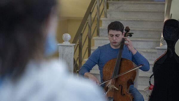 Нарек Ахназарян дал концерт благодарности для медперсонала - Sputnik Армения