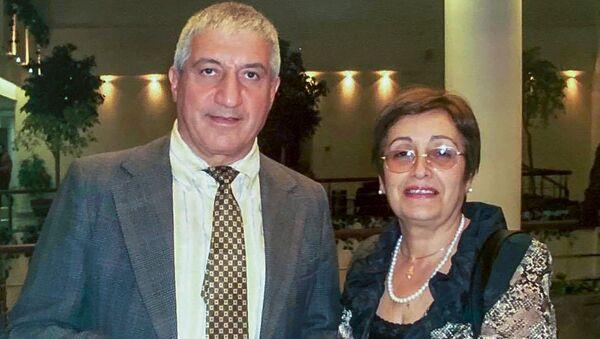 Физик Мишик Казарян и его жена, врач-эпидемиолог Арпик Асратян - Sputnik Армения