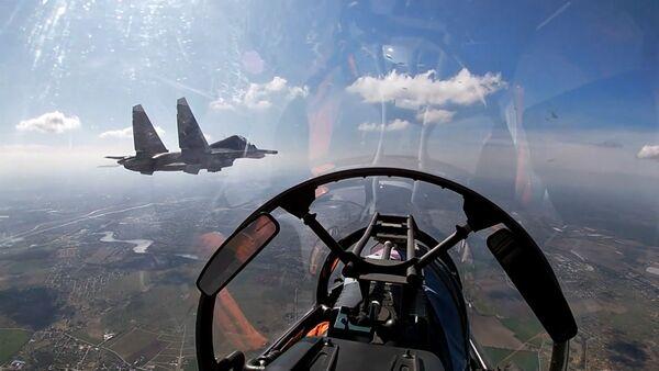 Су-24 и Су-30СМ нанесли удары по условному противнику в Балтике - Sputnik Армения
