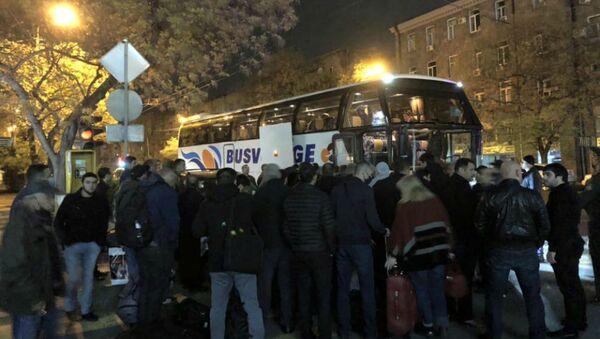 Вывоз россиян на автобусах из Армении через территорию Грузии - Sputnik Армения