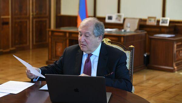 Президент Армении Армен Саркисян (30 апреля 2020). Еревaн - Sputnik Армения