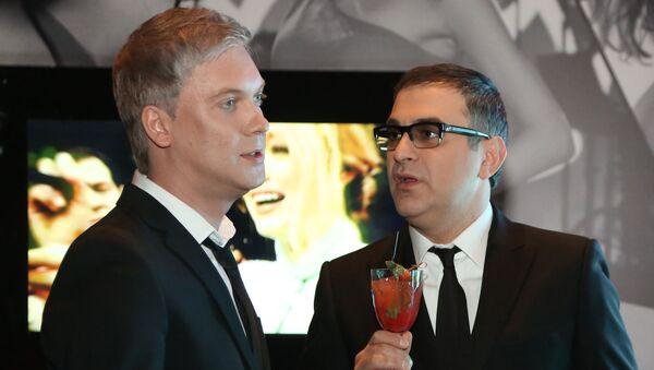 Телеведущие Гарик Мартиросян (справа) и Сергей Светлаков  - Sputnik Արմենիա