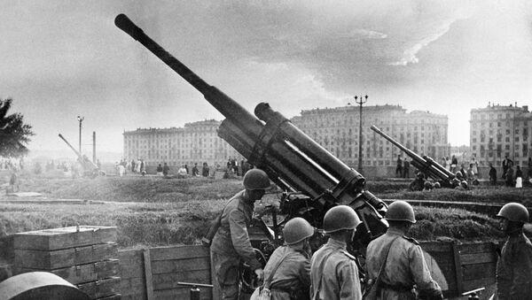 Зенитный расчет у парка культуры и отдыха имени Горького (1941 год). Москва - Sputnik Армения