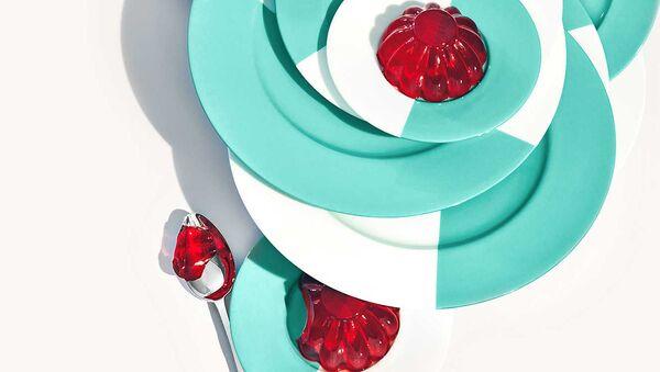Сидим дома с комфортом: новые семейные предметы Tiffany & Co - Sputnik Армения