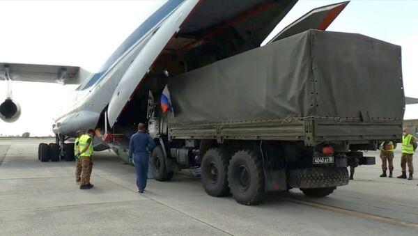 Российские военные специалисты возвращаются на родину из Италии - Sputnik Արմենիա