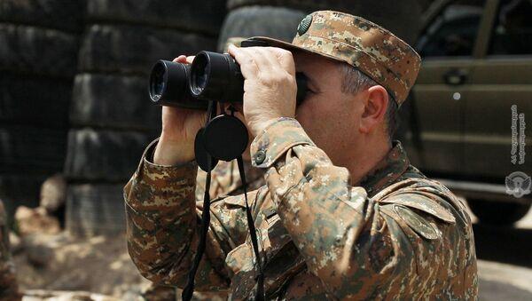 Начальник генштаба ВС РА Артак Давтян посетил воинские части на юго-востоке страны (14 мая 2020). Армения - Sputnik Армения