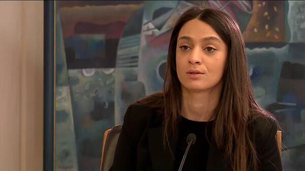 Пресс-секретарь премьер-министра Мане Геворгян на онлайн пресс-конференции Никола Пашиняна (16 мая 2020). Еревaн - Sputnik Армения