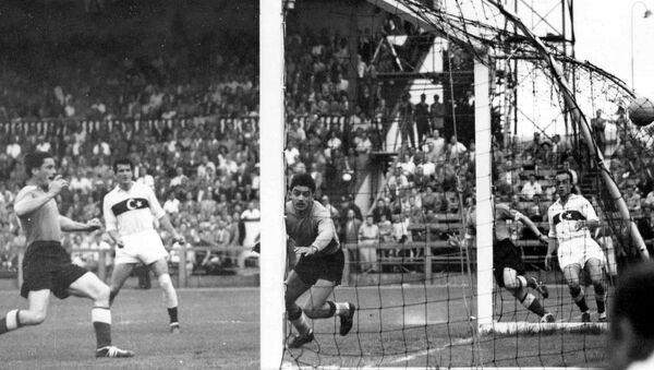 Футбольный матч между сборными Германии и Турции на Чемпионате мира (23 июня 1954). Цюрих - Sputnik Армения