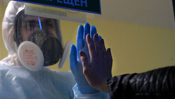 Медицинский работник в стационаре для больных COVID-19 в Тверской областной клинической больнице - Sputnik Արմենիա