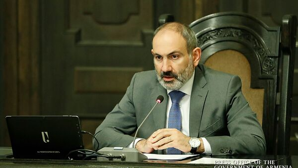 Премьер-министр Никол Пашинян на совещании комиссии по координации работ по предотвращению распространения коронавируса в Армении (20 мая 2020). Еревaн - Sputnik Արմենիա