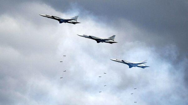 Дальние бомбардировщики Ту-22М3 - Sputnik Армения