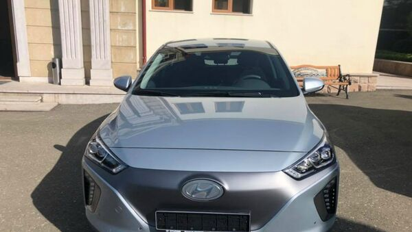 Электромобиль новоизбранного президента Карабаха Араика Арутюняна  - Sputnik Արմենիա
