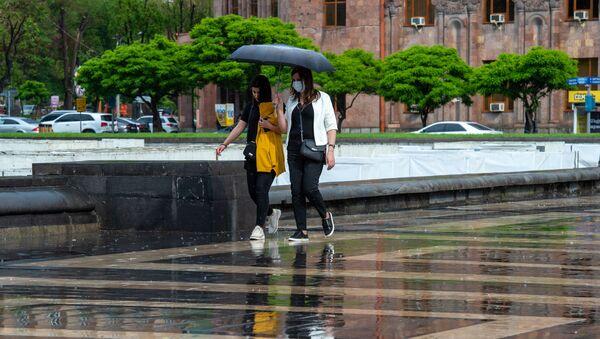 Дождь в Ереване - Sputnik Армения