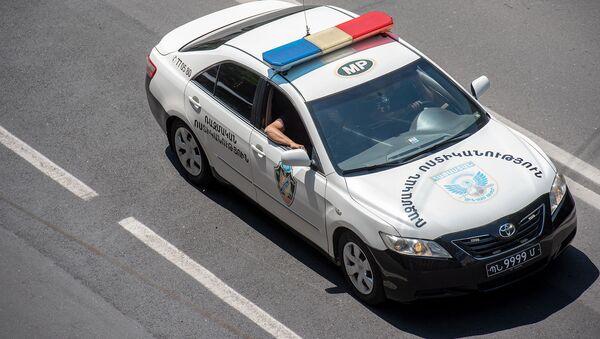 Автомобиль военной полиции на улице Амиряна - Sputnik Արմենիա