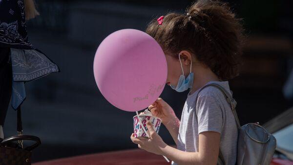 Девочка с мороженным - Sputnik Արմենիա