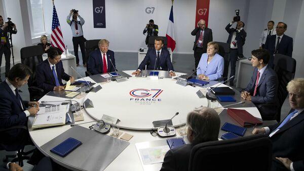 Рабочая сессия во время саммита G7 (26 августа 2019). Франция - Sputnik Армения