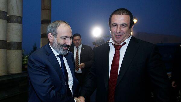 И.о. премьер-министра Армении Никол Пашинян принял участие в конференции Инвестиции и торговля (26 октября 2018). Еревaн - Sputnik Армения