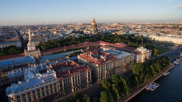 Адмиралтейство и Исаакиевский собор в Санкт-Петербурге - Sputnik Армения