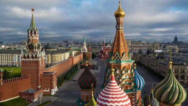 Купола Храма Василия Блаженного на Красной площади в Москве - Sputnik Армения
