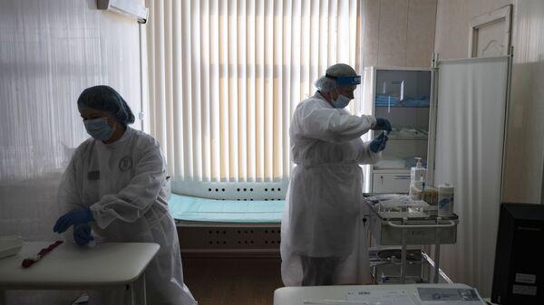 Тестирование россиян на наличие антител к COVID-19 в Москве - Sputnik Արմենիա