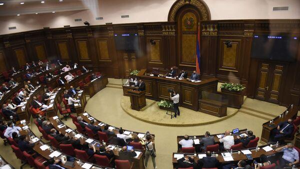 Гагик Царукян после выступления на заседании Парламента (16 июня 2020). Еревaн - Sputnik Армения