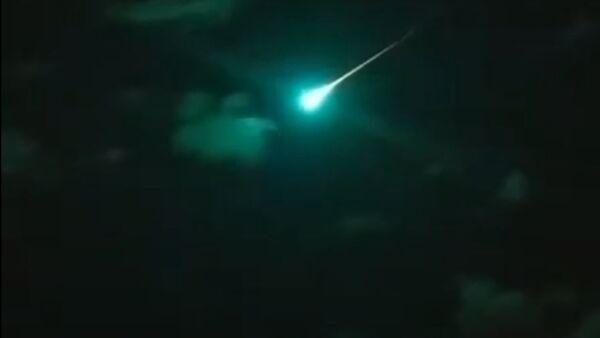 Таинственный бирюзовый метеор озадачил астрономов Австралии  - Sputnik Армения