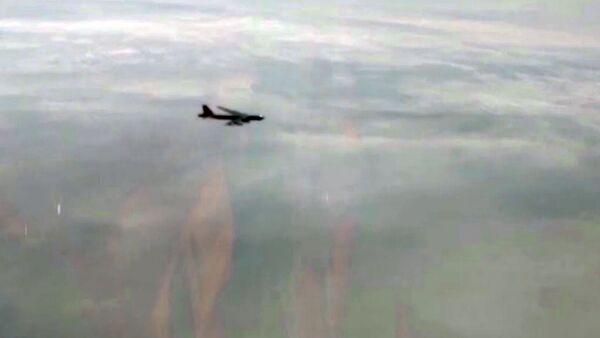 Истребители Су-30, Су-35 и МиГ-31 поднимались на перехват В-52Н ВВС США - Sputnik Армения
