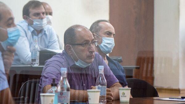 Роберт Кочарян с адвокатами Айком Алумяном и Ованнесом Худояном на судебном заседании по делу 1 марта (23 июня 2020). Еревaн - Sputnik Армения