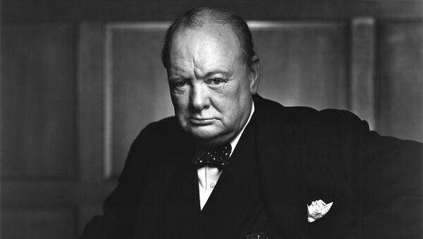 Портрет бывшего премьер-министра Великобритании Уинстона Черчилля фотографa Юсуфa Каршa - Sputnik Արմենիա