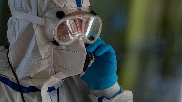 Инфекционист Агаси Махтесян в медцентре Арташат - Sputnik Արմենիա