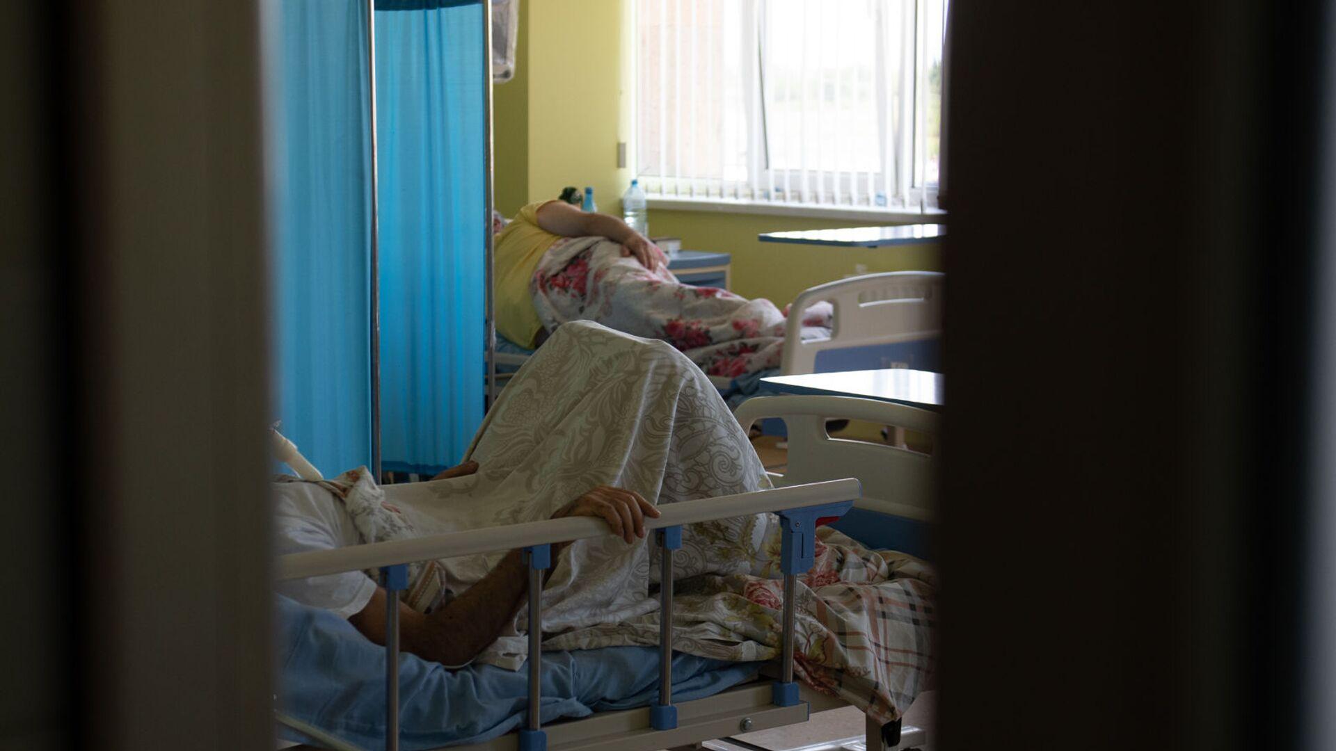 Пациенты в реанимации медцентра Арташат - Sputnik Արմենիա, 1920, 06.08.2021