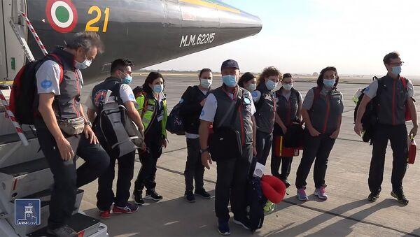 Группа врачей из Италии прибыла в Армению (26 июня 2020). Еревaн - Sputnik Արմենիա
