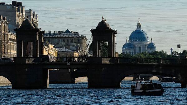 Вид на мост Ломоносова в Санкт-Петербурге - Sputnik Армения