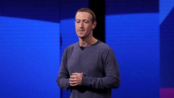 Гигантские финансовые потери Facebook — в чем причина? - Sputnik Армения