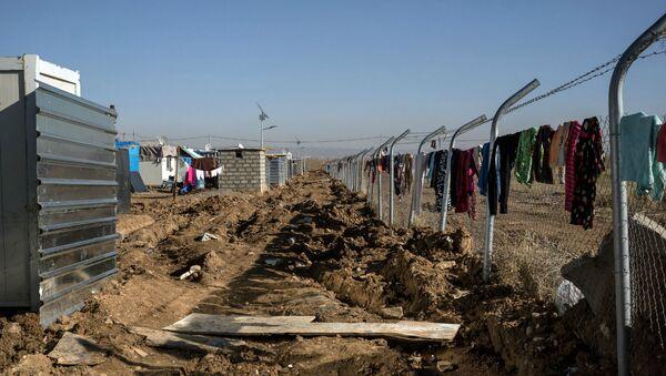 Лагерь езидов-беженцев из Синджара, где проживает примерно 1500 семей (7 декабря 2015). Эрбиль, Ирак - Sputnik Армения
