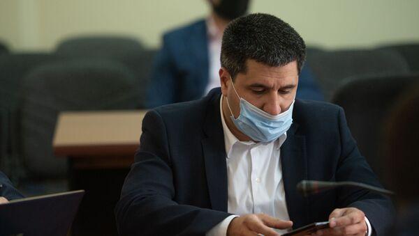Глава Team Telecom Armenia Айк Есаян на обсуждении в Госкомиссии по защите экономической конкуренции о покупке дочерней компании Билайн в Армении (7 июля 2020). Еревaн - Sputnik Արմենիա