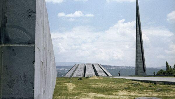 Мемориальный комплекс Цицернакаберд в городе Ереване - Sputnik Արմենիա
