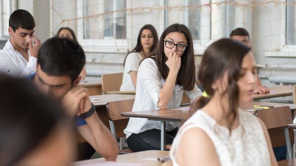 ЕГЭ в старшей школе № 170 в Ереване - Sputnik Армения
