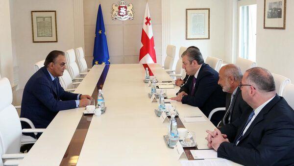 Министр транспорта и связи Армении Гагик Бегларян и премьер-министр Грузии Георгий Квирикашвили - Sputnik Армения