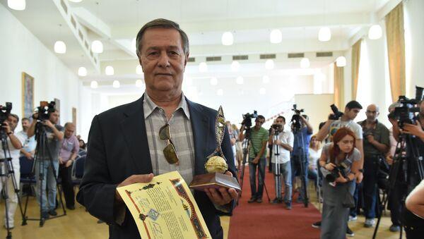 Роман Балаян получил награду Егици луйс - Sputnik Армения
