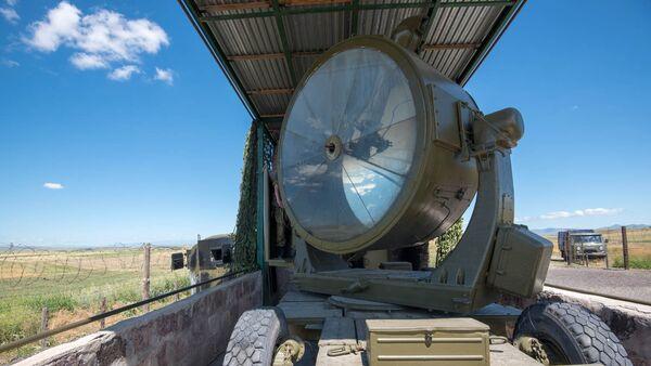Прожектор на армяно-турецкой границе - Sputnik Армения