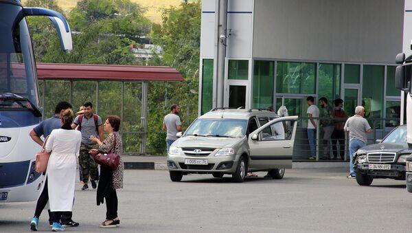 Армяно-грузинская граница. КПП Баграташен - Sputnik Армения